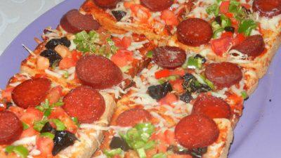 Tost Ekmeğinden Pizza