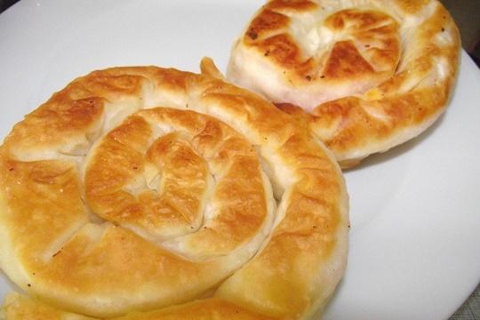 Tavada Gül Böreği