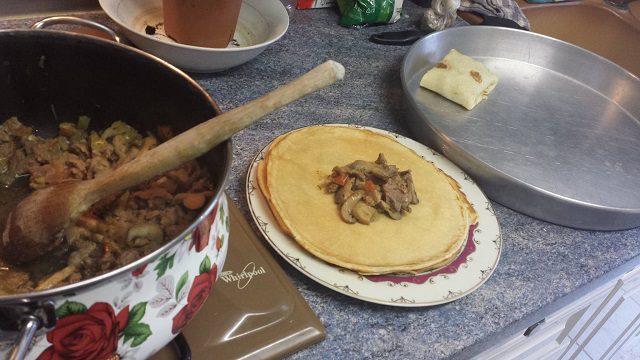 Et Soteli Krep Hazırlanışı