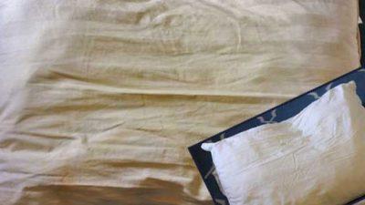 Sararan Yastıklar Nasıl Temizlenir?