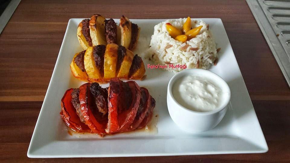 Domates, soğan, patates kebabı