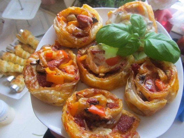 Milföyden Pizza Tarifi