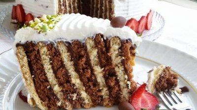 Kek Kalıbında Bisküvili Pasta