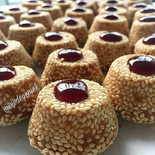 Muffin Kalıbında Susamlı Kurabiye