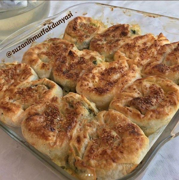 Hazır Yufkadan Ispanaklı Börek
