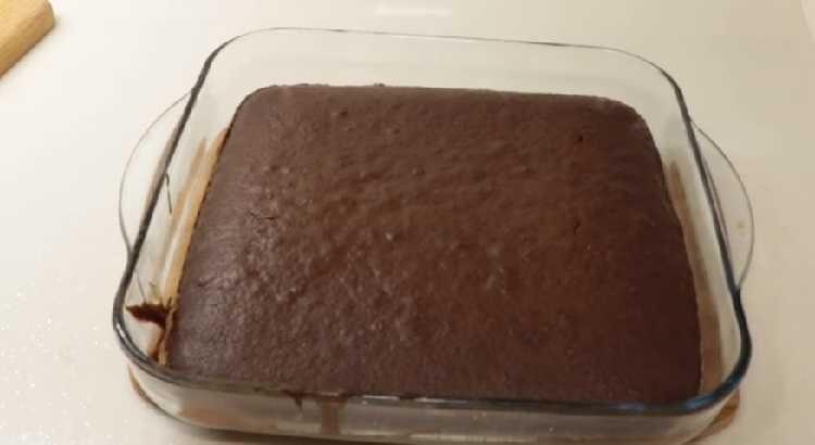 Islak kek yapımı