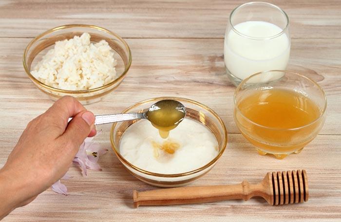 bal pirinç süt maskesi