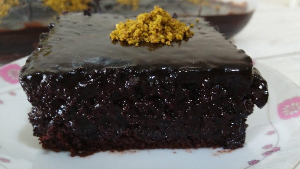 Bol Çikolata Soslu Kek Tarifi