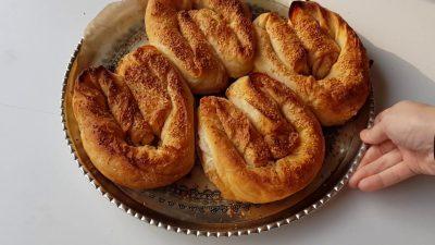 Nişastalı ve Sirkeli Sosu ile Çıtır Börek Tarifi