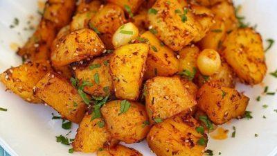 Fırında Salçalı Patates Tarifi