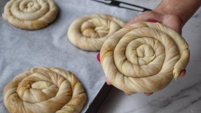 Tel Tel Ayrılan Tahinli Çörek Tarifi